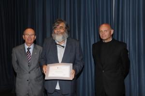 Rectoría distinguió a tres académicos del IMA por su notable desempeño en Investigación y Docencia