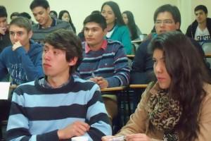 """Alumnos del emblemático Liceo Bicentenario """"Óscar Castro Zúñiga"""" visitan el IMA"""