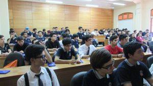 Alumnos del Instituto Nacional visitan el IMA PUCV