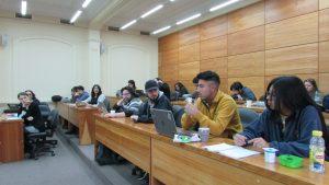 Integrantes de la comunidad IMA PUCV llevan a cabo mesas de trabajo en respuesta al complejo contexto nacional